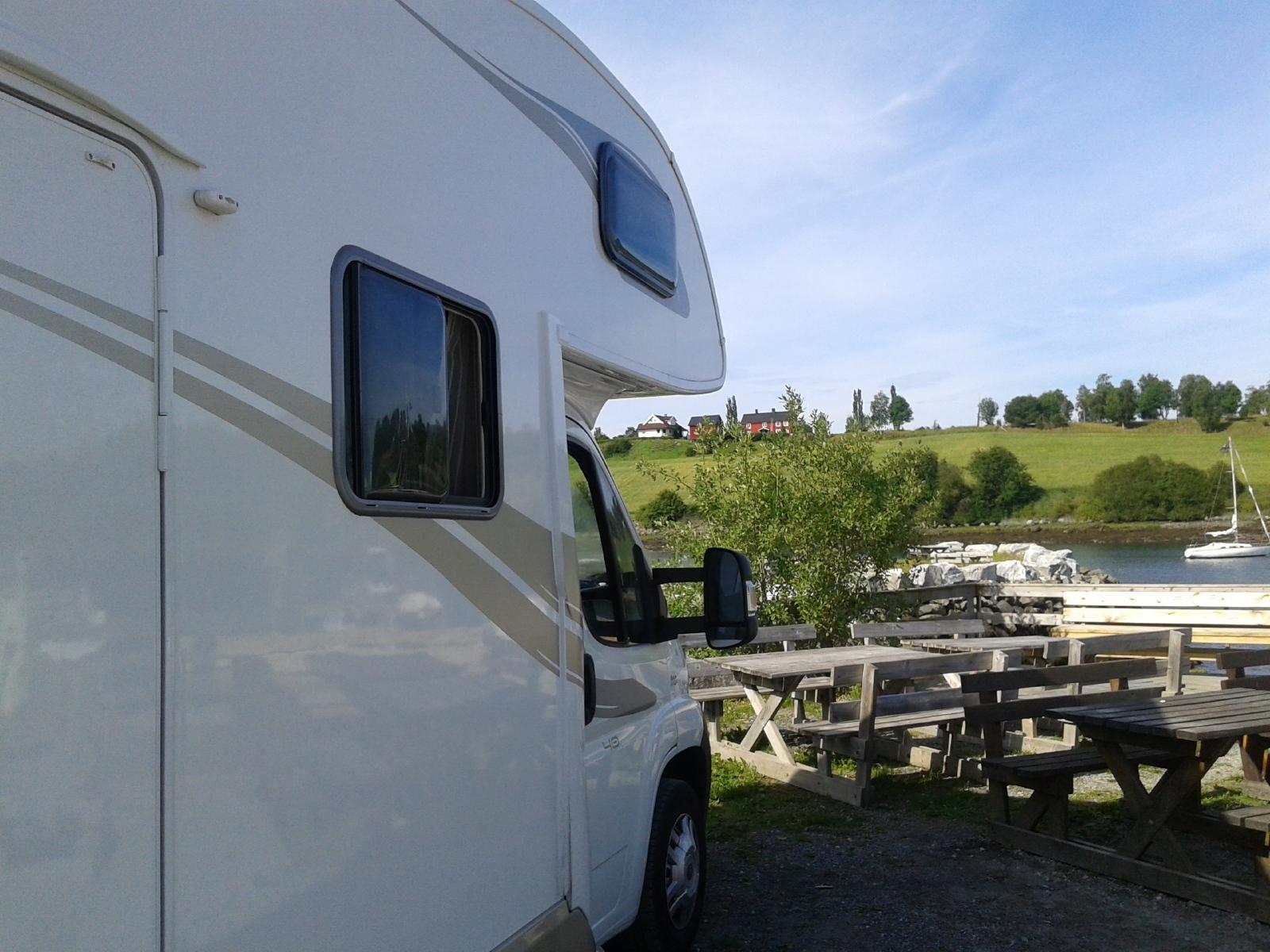 nos camping cars de location cambrai nord pas de calais. Black Bedroom Furniture Sets. Home Design Ideas